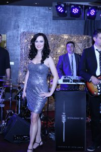 Viktoria und Band aus München für ihre Firmenfeier